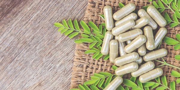 Hierbas probadas, suplementos y vitaminas para la menopausia (basado en la evidencia)